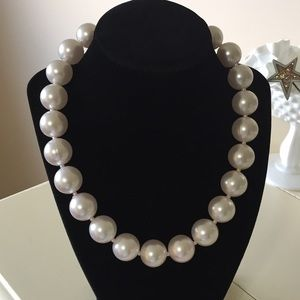 Big chunky Pearl Statement necklace
